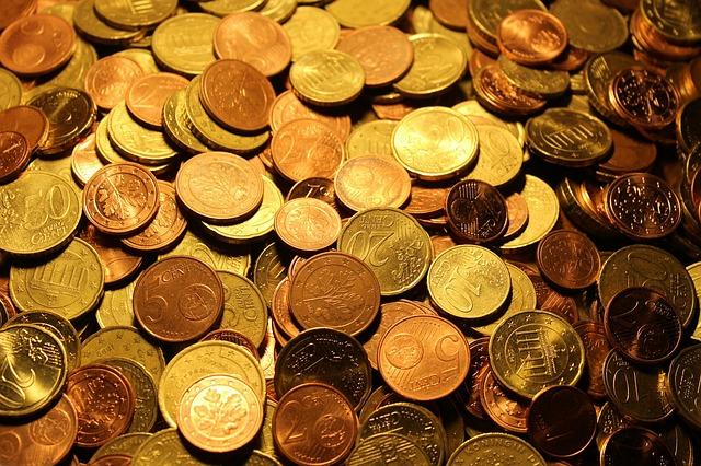 ผู้มีเงินได้มีสิทธิหักลดหย่อนอะไรได้บ้าง?