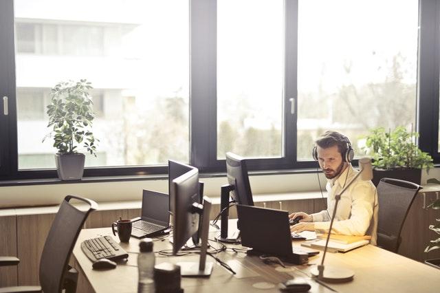 ทำไม Outsource Call Center ถึงเหมาะกับหลาย ๆ องค์กรในปัจจุบัน