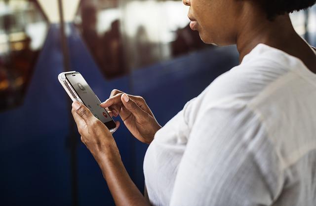 เหตุผลที่ควรใช้ Social Media เพิ่มช่องทางในการติดต่อกับลูกค้าใน Call Center