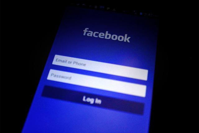 Facebook สามารถให้ผู้ใช้ดูโฆษณาที่ได้คลิกเข้าชมล่าสุดได้ด้วย