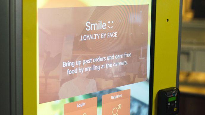ตู้สั่งอาหารแบบ AI-Enabled สามารถรองรับลูกค้าได้มากขึ้น