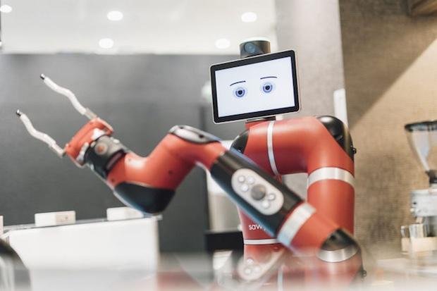 Robotic Barista ให้บริการกาแฟแก่ลูกค้าที่ร้านกาแฟใจกลางกรุงโตเกียว