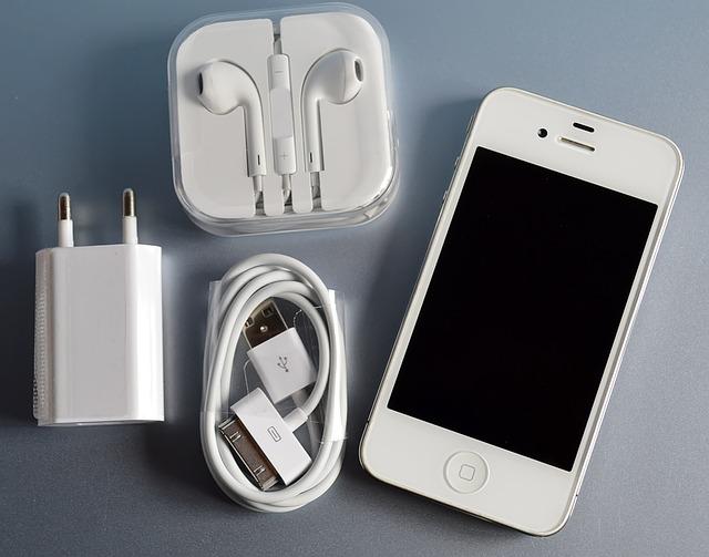 Apple กำลังให้บริษัทต่าง ๆ ในโครงการ MFi เพิ่มสเปค Lightning to 3.5mm. และ USB-C