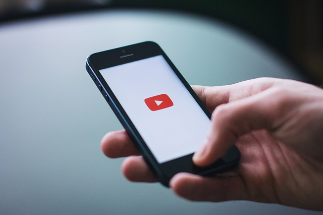 Youtube กำลังเปิดให้ผู้ใช้สามารถ Chat ได้บนแอพพลิเคชันแล้ว