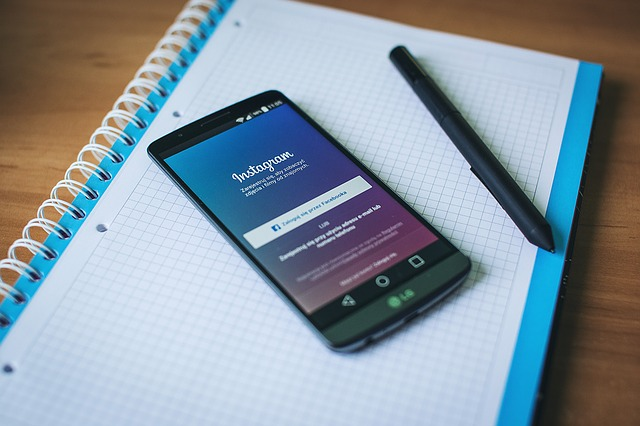 Instagram ช่วยให้เราสามารถติดตามแฮชแท็ก (#) ได้เช่นเดียวกับที่คุณติดตามคนอื่น ๆ