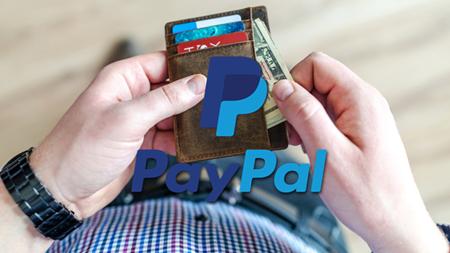 PayPal เริ่มให้บริการในรูปแบบด้านธนาคารมากขึ้น เช่นบัตรเดบิตและการฝากเช็ก