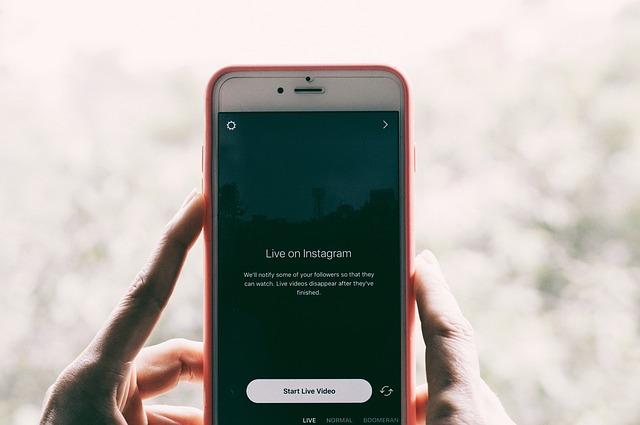 Instagram  เพิ่มคุณสมบัติ Video Live กับเพื่อนแบบเห็นหน้ากันได้